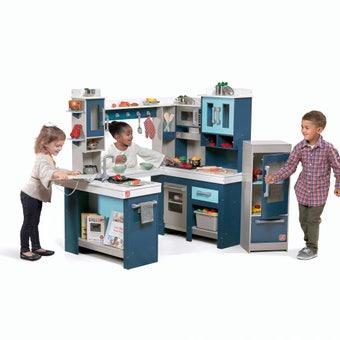 7948KR Grand Walkin Wood Play Kitchen 001